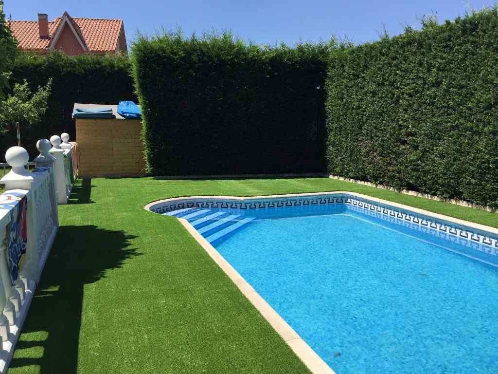 cesped artificial para jardines y terrazas